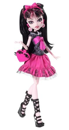 Draculaura Picture Day Fashion Dolls Monster High Dolls Doll Accessories and Play Sets by Mattel Barbie 80s, Barbie Dolls, Doll Toys, Barbie Stuff, Dolls Dolls, Doll Stuff, Kid Stuff, Ever After High, Little Girl Photos