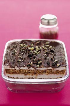Tiramisù alla ricotta e cacao : Scopri come preparare questa deliziosa ricetta. Facile, gustosa e adatta ad ogni occasione. Questo dolce/dessert ha un tempo di preparazione di 30 minuti.