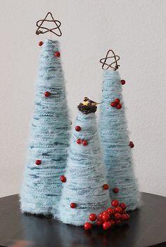 Con un poco de lana...haz un árbol de Navidad