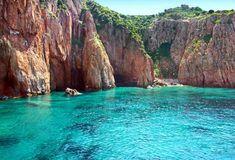 Découvrez notre TOP 10 des sites naturels incontournables en Corse : Ile Lavezzi, Calanques de Piana, Anse de Rondinara, Golfe de Girolata...Tous les plus beaux sites à visiter lors de votre séjour sur l'Ile de beauté !