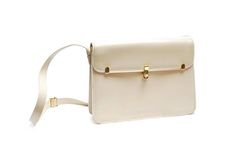 Vintage shoulder bag, beige creme white gold faux leather square clutch with strap, front clasp, 1960s women's fashion, Gherardelli Italy by Aerosvar