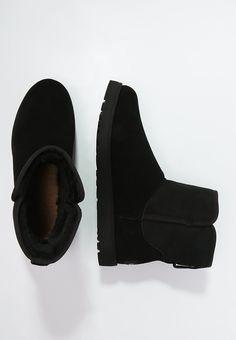 Clarks Desert Boots in Beeswax Leather | Schoenen, Mode, Stijl