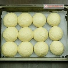 Cooking Bread, Bread Baking, Cooking Recipes, Romania Food, Focaccia Bread Recipe, Baking Classes, Good Food, Yummy Food, Fast Easy Meals