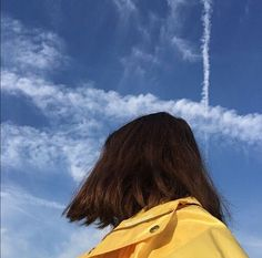 Imagen de sky, aesthetic, and blue Shadow Photography, Tumblr Photography, Girl Photography Poses, Photo Trop Belle, Aesthetic Photography People, Shadow Pictures, Story Instagram, Girly Pictures, Sky Aesthetic