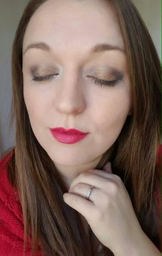 Pressed powder in Velour, pallete 3 with Tenacious splurge finished off with our lipstick in the colour Vain.