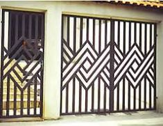 New Metal Door Grill Irons Ideas Grill Gate Design, Steel Gate Design, Iron Gate Design, Window Grill Design, Railing Design, Home Door Design, House Gate Design, Metal Gates, Wrought Iron Doors