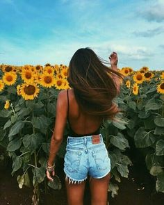 fashion poses which truly are Fab Summer Photography, Photography Poses, Amazing Photography, Photography Ideas For Teens, Couple In Love Photography, Vsco Photography Inspiration, Fashion Photography, Photography Aesthetic, Urban Photography