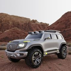 """""""Highway Patrol Vehicle 2025"""": Developed for the Los Angeles Design Challenge a design study from Mercedes-Benz demonstrates how the genes of the classic off-roader from 1979 may still assert themselves in the far future. #MBcars"""