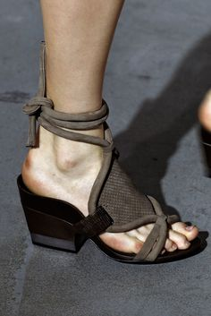 Phillip Lim Spring 2015 Ready-to-Wear Fashion Show Details