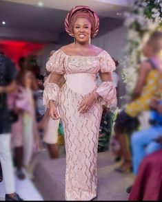 African Wedding Attire, African Attire, African Wear Dresses, African Clothes, Aso Ebi Styles, Africa Fashion, Gowns, Weeding, Formal Dresses