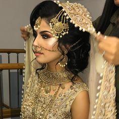 Makeup Ideas Asian Indian Bridal India Ideas For 2019 Asian Bridal Jewellery, Asian Bridal Makeup, Asian Bridal Dresses, Pakistani Bridal Makeup, Indian Jewelry, Perfect Wedding Dress, Wedding Looks, Dress Wedding, Wedding Hair