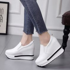 33f9b54268 53 nejlepších obrázků z nástěnky Dámské boty na podpatku