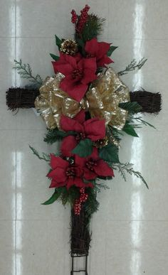 Floral Design, Christmas Remembrance Cross, Designed by Renee Corbin: Michael's of Waynesville, NC Christmas Flower Arrangements, Christmas Flowers, Winter Christmas, Floral Arrangements, Christmas Wreaths, Christmas Crafts, Grave Flowers, Cemetery Flowers, Funeral Flowers