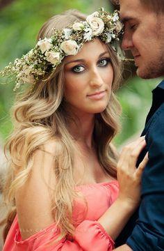 We are loving the wreath on this boho bride {Kelly Canova Photography}
