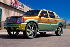 Candy paint escalades | 2004 Cadillac Escalade EXT. $6450 Escalade Ext, Cadillac Escalade, Candy Paint, Chevy Avalanche, Custom Sport Bikes, Counting Cars, Fantastic Voyage, New Toys, Toys For Boys