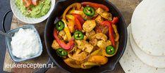 Kip fajita's (LeukeRecepten. Pita Wrap, One Dish Dinners, Quesadilla, Halloumi, Enchiladas, Paella, Guacamole, Thai Red Curry, Squash
