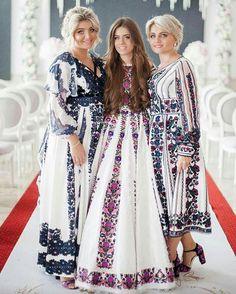 Ethnic Fashion, Hijab Fashion, Boho Fashion, Fashion Dresses, Fashion Design, Traditional Fashion, Traditional Dresses, Ukrainian Dress, Arabic Dress