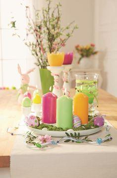 Świeczki ze świątecznej oferty Lidla pięknie rozświetlą wielkanocny stół.