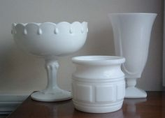 How to Display Milk Glass | display these pretty vintage milk glass vases on your library ...