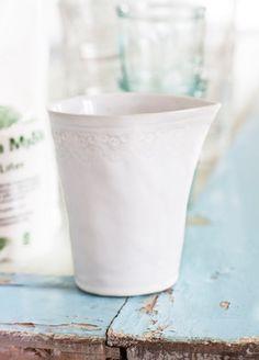 Mjölkkanna med Spetskant / Milkjug with lace