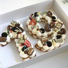 מזל טוב וים של מתוק #birthdaycake #gargeran #strawberry #vanilla #biscuit #oreo #kinder #chocolate #snickers