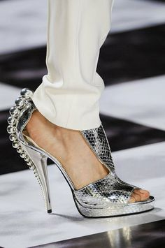 The Best Shoes From This Season's Runways. Viktor & Rolf #shoes #pfw
