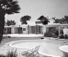 The rear façade of the 1957 Robert Gildred house in Beverly Hills by Paul R Williams