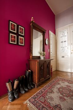 hall Tiny Spaces, Bedroom Colors, Furniture, Home Decor, Decorating, Ideas, Couple Room, Bedroom Decor, Colourful Bedroom