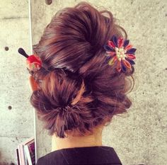 Without the accessories Geisha, Up Hairstyles, Pretty Hairstyles, Wedding Hairstyles, Bridal Hairstyle, New Hair Do, Love Hair, Chocolate Hair, Rockabilly Hair