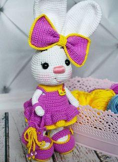 Free crochet bunny pattern #amigurumi #amigurumidoll #amigurumipattern #amigurumitoy #amigurumiaddict #crochet #crocheting #crochetpattern #pattern #patternsforcrochet