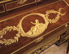 Detail of Roll-top Desk (Bureau à cylindre) by Conrad Mauter circa 1780 French Furniture, Antique Furniture, Hope Chest, Versailles, Desks, 18th Century, Palace, Fill, Gardens