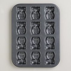 Our darling Nonstick Owl Caklet Pan is made of commercial grade steel for lasting durability, and features 12 deep impressions to make delicious owl cakelets, owl cookies, or owl anything you like! The nonstick coating ensures easy treat removal and quick cleanup, and the unique design makes it appealing as a high quality, affordable gift.