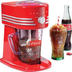 Frozen Slush Drink Maker Margarita Smoothie Blender...love this...I'm the queen of freezing my pop or crystal light so that it turns to slush!  My new must have!!!