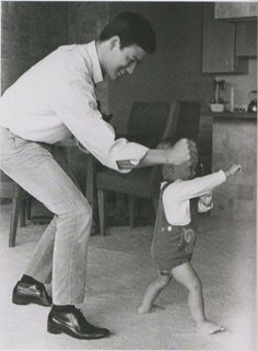 Brandon Lee with his father, Bruce Lee ~j