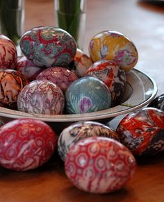 Use old silk ties & scarves to dye these beautiful eggs!