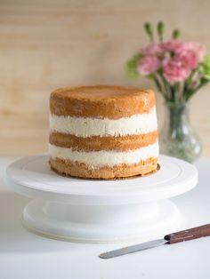 Ananasmousse (korkean kakun täytteeksi) Delicious Cake Recipes, Yummy Cakes, Cake Fillings, Easy Baking Recipes, Frosting Recipes, No Bake Cake, Vanilla Cake, Eat Cake, Cake Decorating