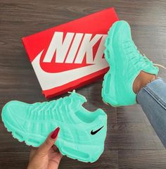 Nice Nike athletic shoes – Happy Active Healthy – Join the world of pin Cute Sneakers, Sneakers Nike, Nike Trainers, Souliers Nike, Nike Air Shoes, Women Nike Shoes, Shoes Sport, Adidas Shoes, Hype Shoes