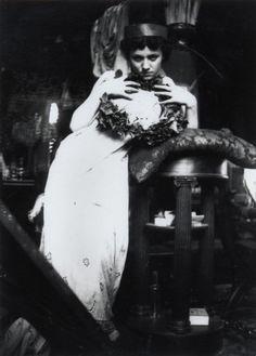 giftvintage:  Alphonse Marie Mucha. Model posing in Mucha's studio rue du Val de Grâce