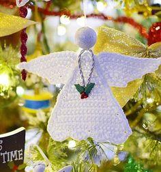 Easy crochet angel Christmas tree ornament (free pattern) // Egyszerű horgolt angyalka karácsonyfadísz (ingyenes horgolásminta) // Mindy - craft tutorial collection // #crafts #DIY #craftTutorial #tutorial #crochet #freeCrochetPattern #Horgolás #Horgolásminta
