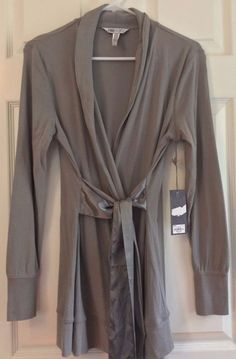 Jennifer Lopez Lounging Robe Gray Size S Satiny Belt Long Sleeve Knee Length #JenniferLopez #Robes #Everyday