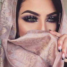 The breathtaking beauty and mystery of Middle Eastern women #arabicmakeup