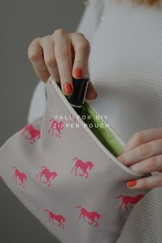 DIY Zipper Pouch Tutorial #sewing