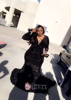 Black velvet plunging bodice long sleeve plus size prom gown. Black plus size prom gown with rosettes skirt. Prom Girl Dresses, Prom Outfits, Dresses Short, Black Prom Dresses, Mermaid Prom Dresses, Trendy Dresses, Dress Prom, Tunic Dresses, Elegant Prom Dresses