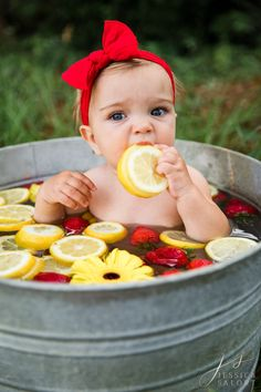 Summer Baby Pictures, 6 Month Baby Picture Ideas, Baby Girl Photos, Milk Bath Photography, Newborn Baby Photography, Baby Milk Bath, Milk Bath Photos, Baby Fruit, 1st Birthday Photoshoot