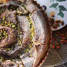 pistacchio tart with meringue