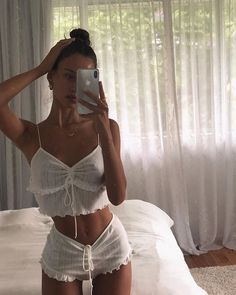 Source by miriaakp outfits with bralettes Komplette Outfits, Summer Outfits, Fashion Outfits, Womens Fashion, Lounge Wear, Ideias Fashion, Style Inspiration, My Style, Stylish