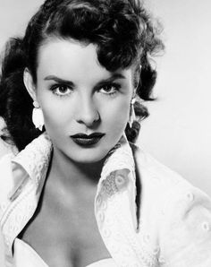 Friday's Femme Fatale ➞ Jean Peters (October 1926 - October Pick Up on South Street, Niagara, A Blueprint for Murder Old Hollywood Movies, Old Hollywood Glamour, Golden Age Of Hollywood, Vintage Glamour, Vintage Hollywood, Hollywood Stars, Vintage Beauty, Hollywood Actresses, Classic Hollywood
