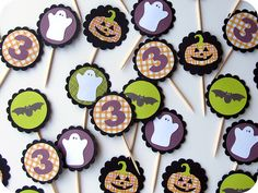 Spooktacular Mini Cupcake Halloween Toppers by Jill!  Use a die-cutting machine like Cricut or Silhouette to quickly cut multiples of the same design.  Check out www.cardstockshop.com to find quality cardstock that works perfect with die-cutting machines.