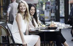 Abito bianco dalla collezione di abbigliamento Benetton per la primavera estate 2014.
