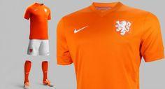 Nieuw tenue Oranje shirt WK 2014 voetbal, de leeuw is terug!!!!!